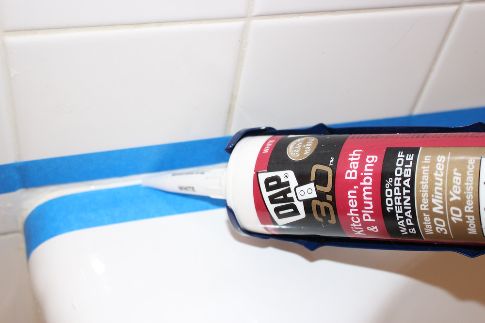 Bathroom Caulk, DIY