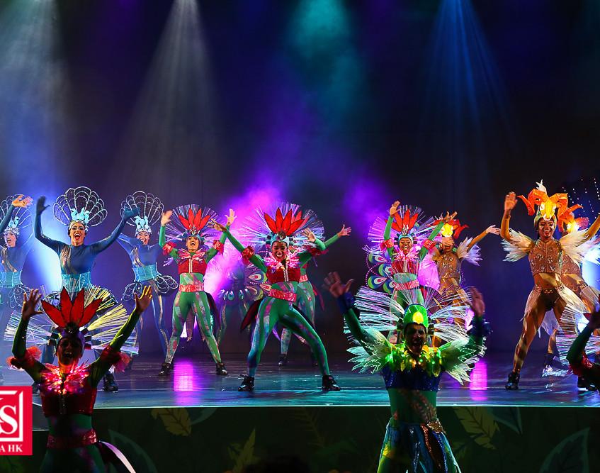 05 動夏嘉年華齊集過百位來自世界各地的頂尖表演者,打造史上最大型嘉年華活動。連串精彩節目包括以海洋生物、野生動物及雀鳥為主題的日間「加勒比夏日巡遊」及晚間夜光「加勒比夏夜巡