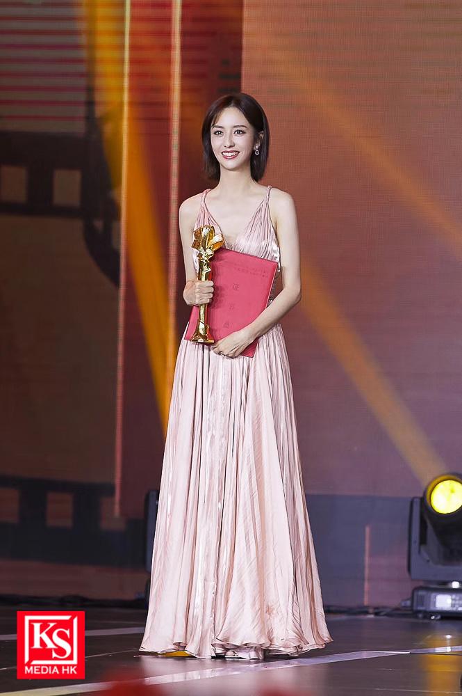 較早前,佟麗婭已被獲頒「電影頻道傳媒大獎 - 最受傳媒關注女主角」獎項-2