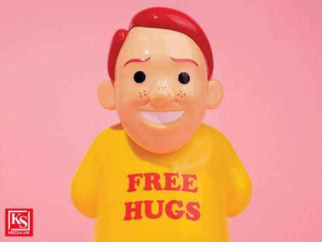 【Joan Cornellà 新作全球發佈 - 世界很苦但你需要Free Hugs!】