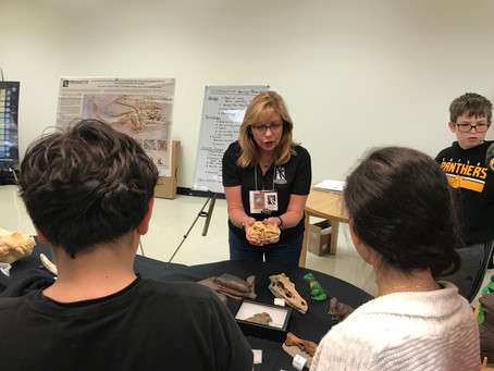 Lauer Foundation returns to Edison Middle School for 7th grade Geology & Paleontology Program