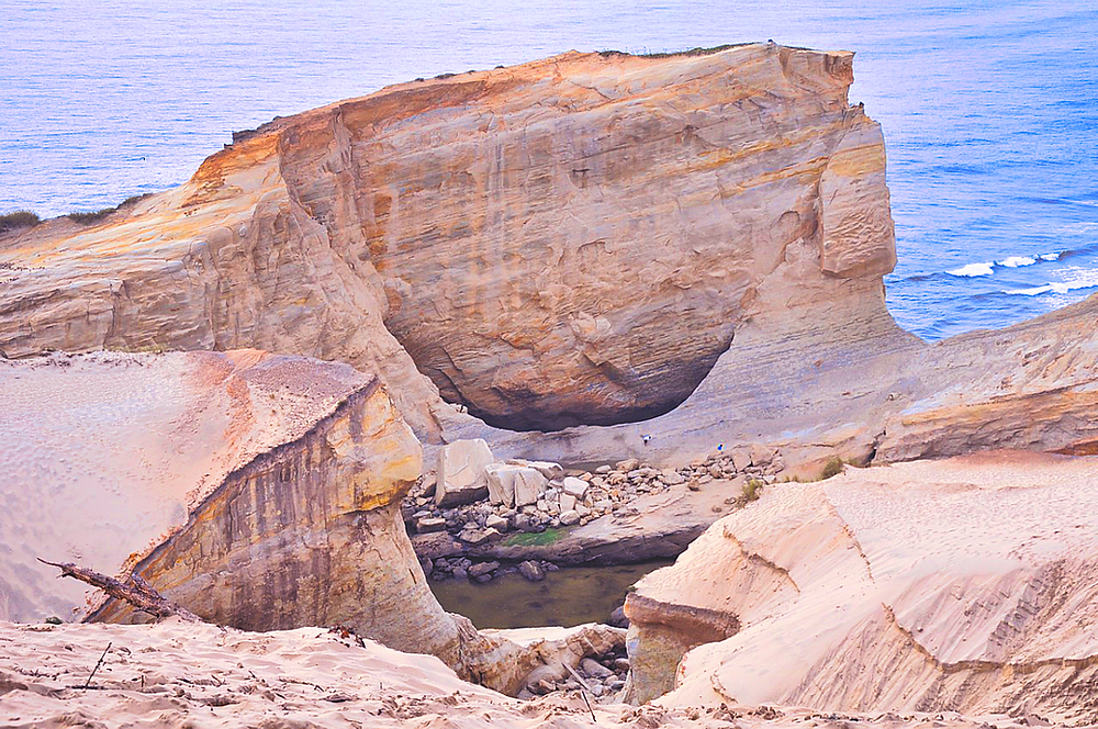 Rock formations showing erosion at the beach