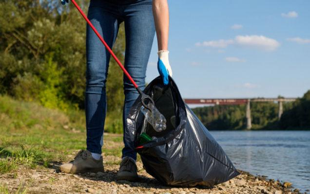 Hubbub_River litter pick.jpg