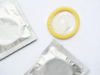 קונדומים או לא קונדומים?