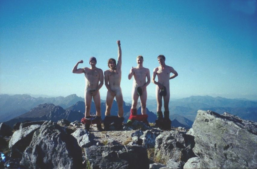 Nude on Federation Peak. Say no more.