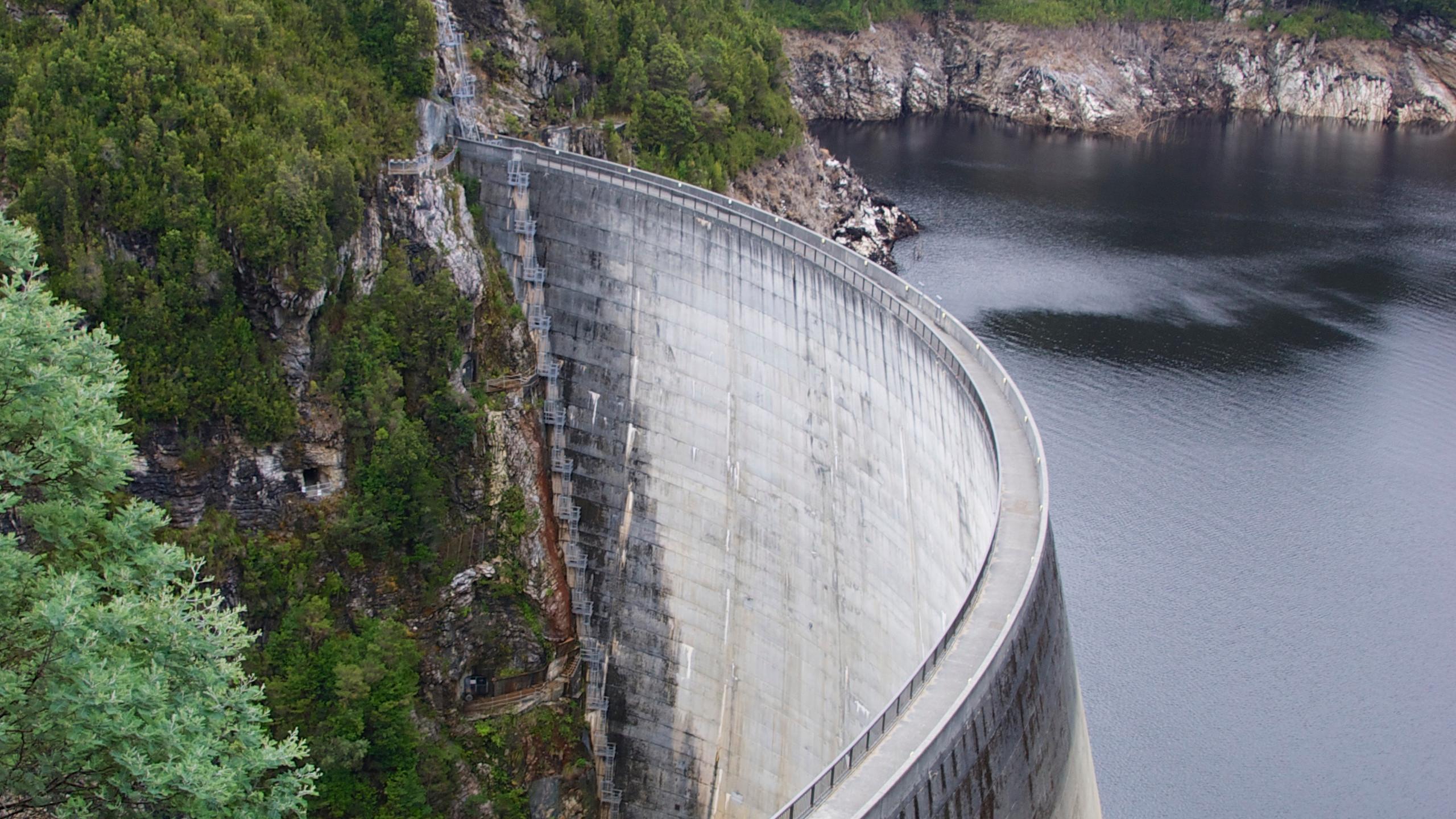 Strathgordon Dam