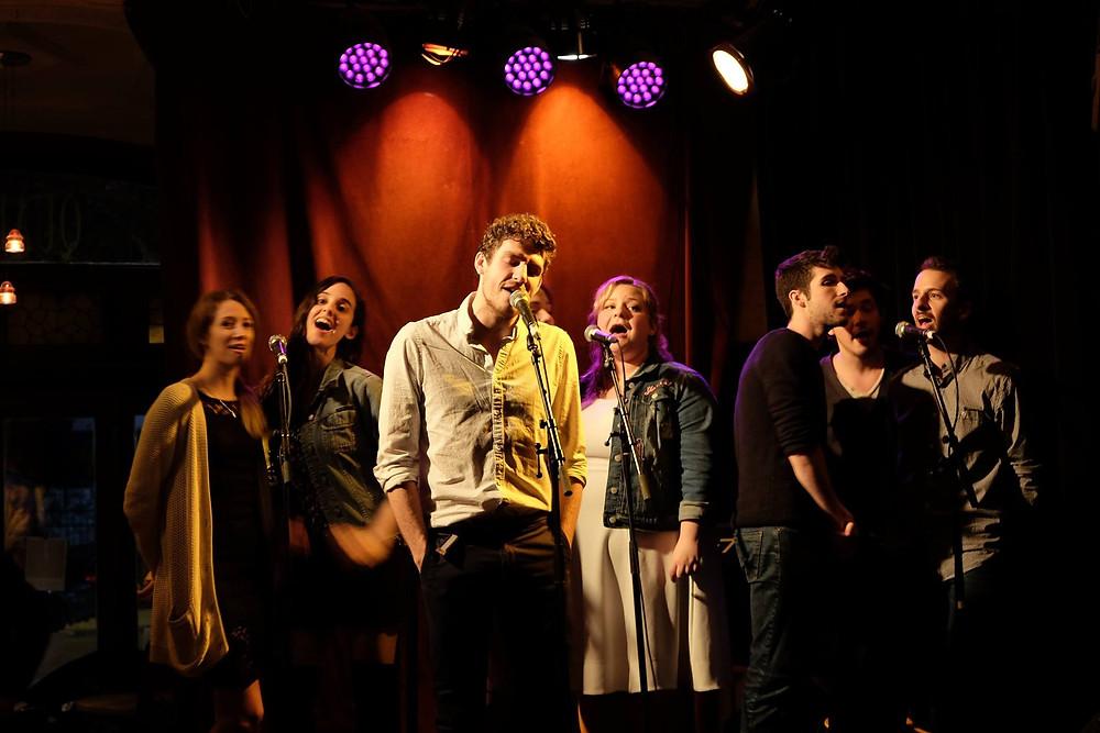 Les comédiens du spectacle AMSTERDAM © Maison Corbeau