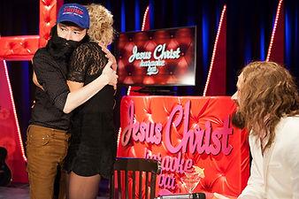Wart Kamps in Jesus Christ Karaoke Bar