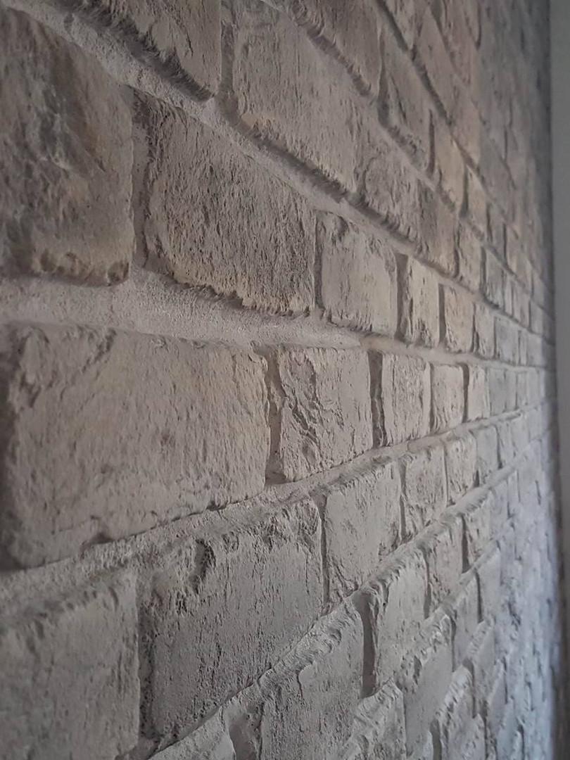 lavoro-mattone-grigio-emanuela-4.jpg