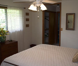 Hawaii Gay Guest House Bed and Breakfast Private room Paradise nudist friendly hotel