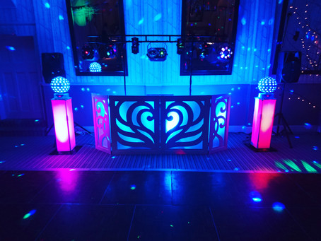 Professional wedding discos provided throughout Berkshire by NGB Discos