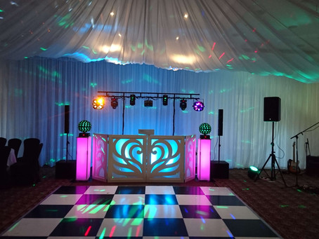 Milton hill house wedding DJ's supplied by NGB Discos