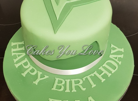 Green arrorw Birthday cake by Cakes You Love