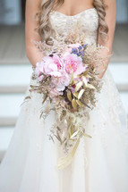 Beautiful Sping Bouquet with touches of gold
