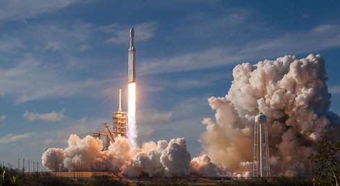SpaceX%20Falcon%20Heavy%20Launch_edited.jpg