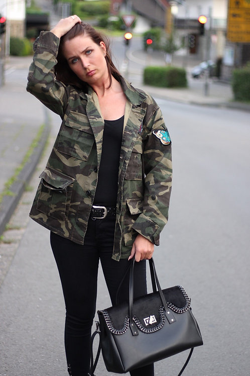 Camouflage Field Jacket mit Patches - Preis incl.Mwst.zzgl. Versand