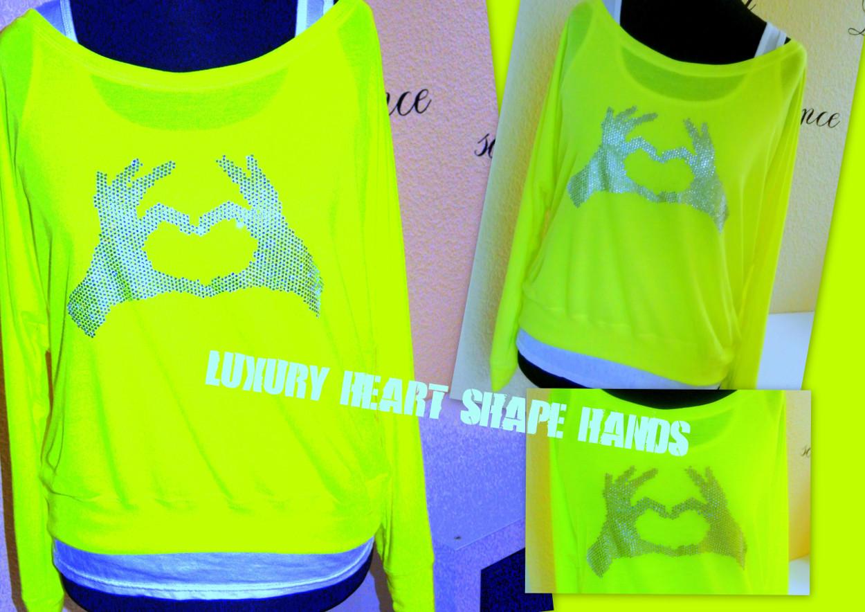 LUXURY HEART SHAPE HANDS