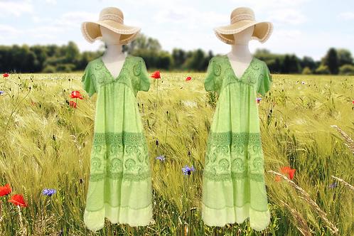 """Baumwoll Midi Sommerkleid mit Lochstickerei Modell """"Green Fantasy"""""""