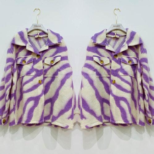 Coole Jacke mit aktuellem Druck in flieder - Preis incl.Mwst.zzgl. Versand