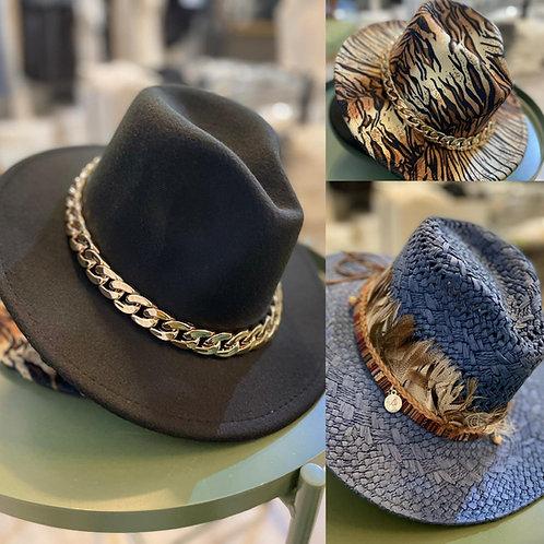 Hut im Fedora Style mit abnehmbarer grosser Kette oder Federkranz