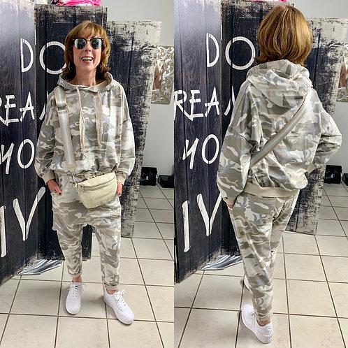 Camouflage Sweat Anzug