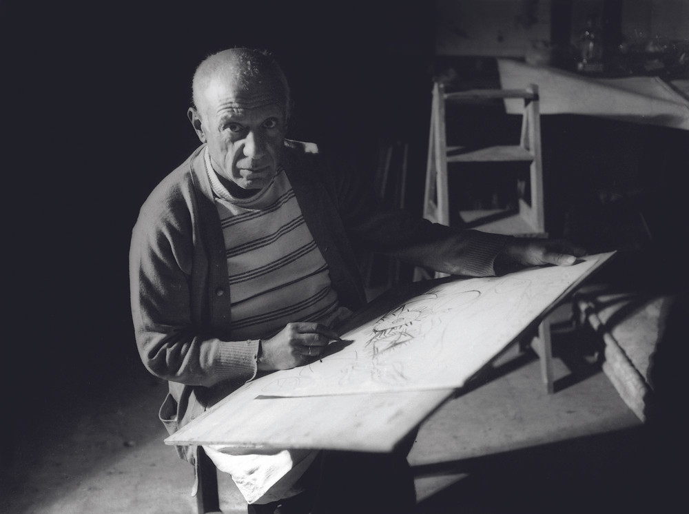 Pablo Picasso drawing in Antibes, summer 1946.