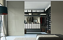 Walking wardrobe concept