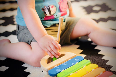 Barn spiller xylofon.jpg