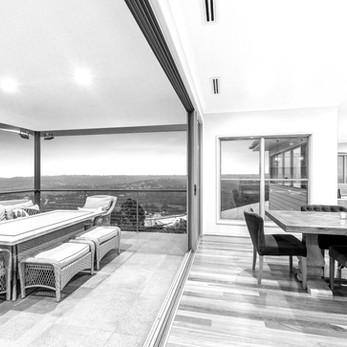 Panoramic Residence