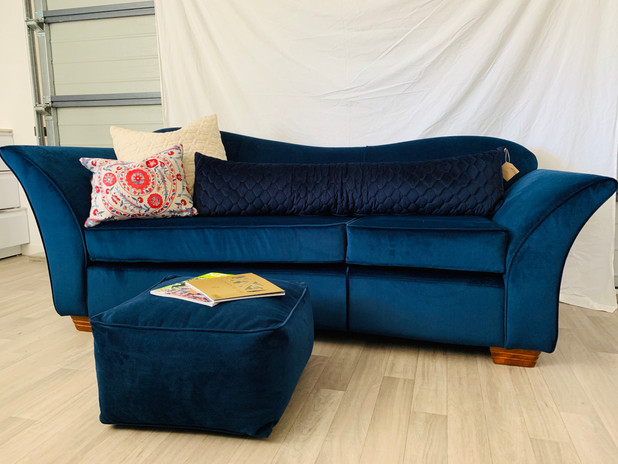 Curvy couch - After