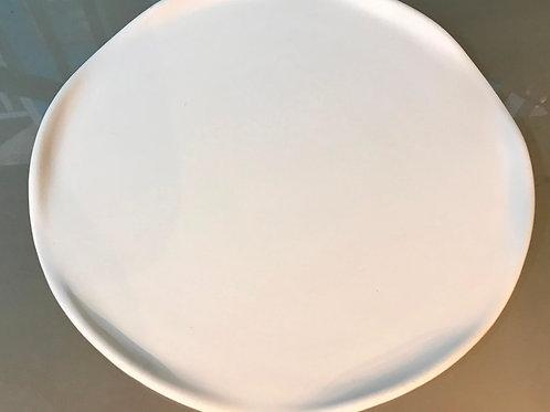 Round Ruffle-edged Plate
