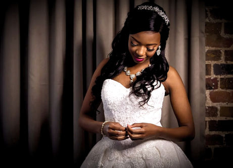 Nigerian Wedding DJ - Bride Photoshoot
