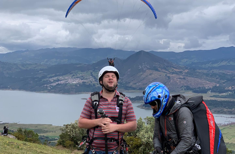 Juan Pablo Culasso saltando en parapente en Sopó, Cundinamarca, Colombia, 2018