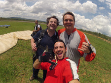Juan Pablo Culasso después de salto en paracaídas en Belo Horizonte, Minas Gerais, Brasil 2017