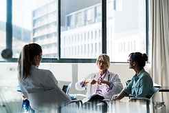 Doctors in Discussion iStock-503532200.j