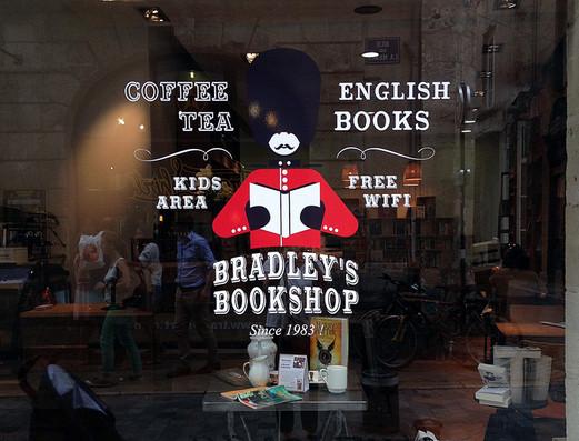 BRADLEY'S BOOKSHOP - Habillage vitrines