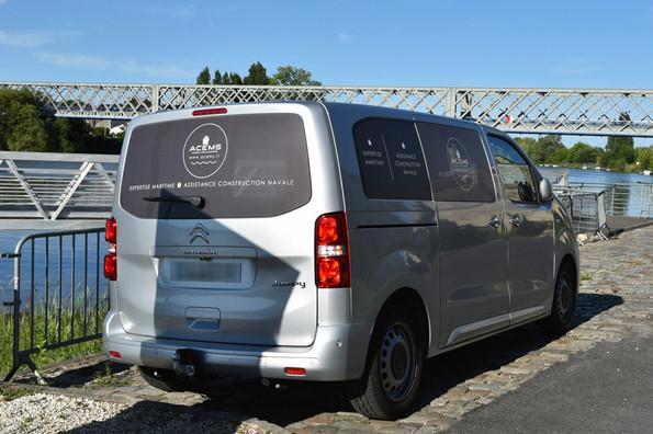 Marquage vitres véhicule en adhésif Microperforé