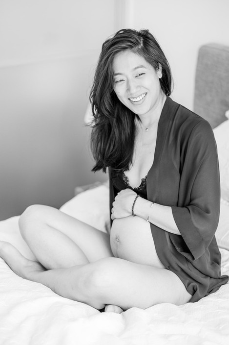 Singapore Lifestyle Photographer | Nic Imai Photography | indoor maternity photography Singapore