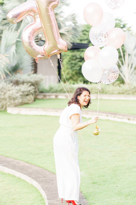 Hort Park Singapore laughing woman with balloons photo shoot
