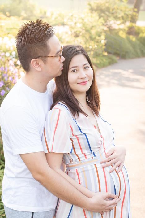 Singapore Lifestyle Photographer | Nic Imai Photography | outdoor maternity photography Botanic Gardens Singapore