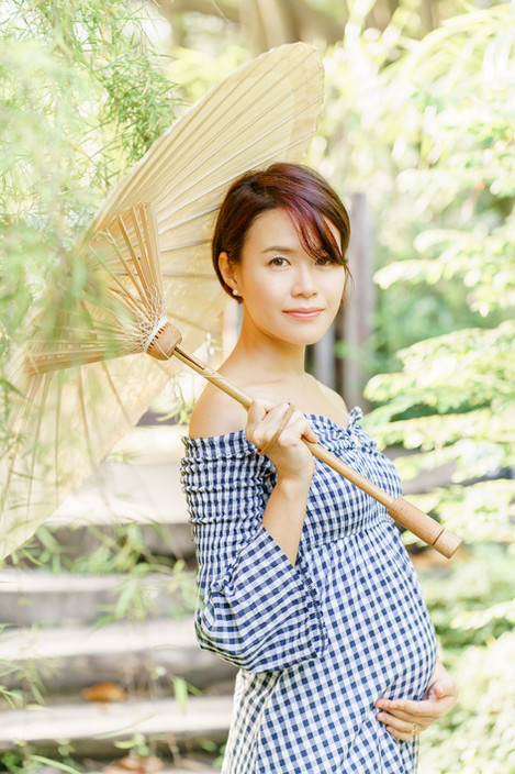 Singapore Lifestyle Photographer | Nic Imai Photography | outdoor maternity photography Singapore | Hort Park