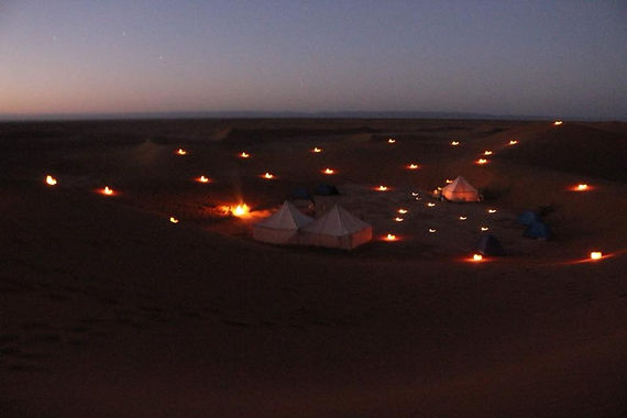Desert nuit lumieres.jpg