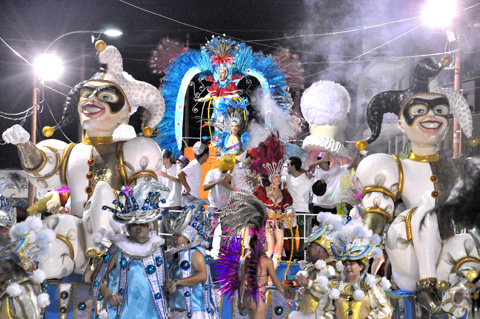 ¡Un Carnaval A Todo Color!