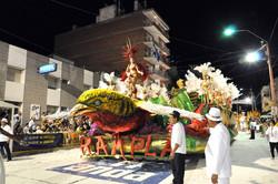 Carnaval em frente ao HOTEL