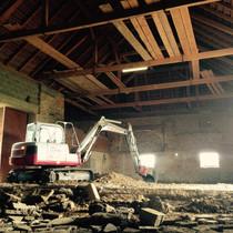 Baggerungen in einem Landwirtschaftlichem Gebäude