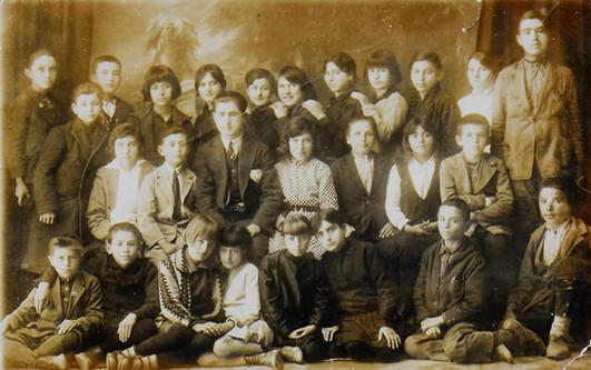 Maître à l'école primaire Ziya Gôkalp, Kırklareli 1929