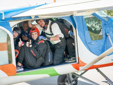 🪂 Salut à vous amis parachutistes ou futurs parachutistes 🪂