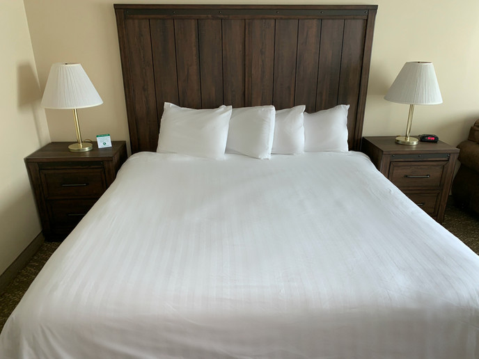King or Queen bed options available