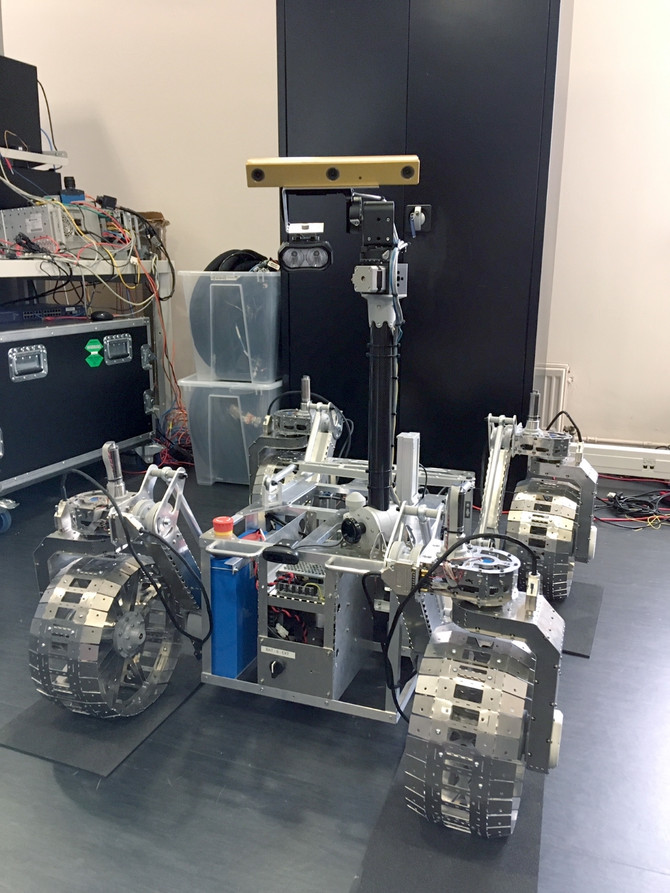 The wait is over: First pictures of the fully assembled LUVMI rover....