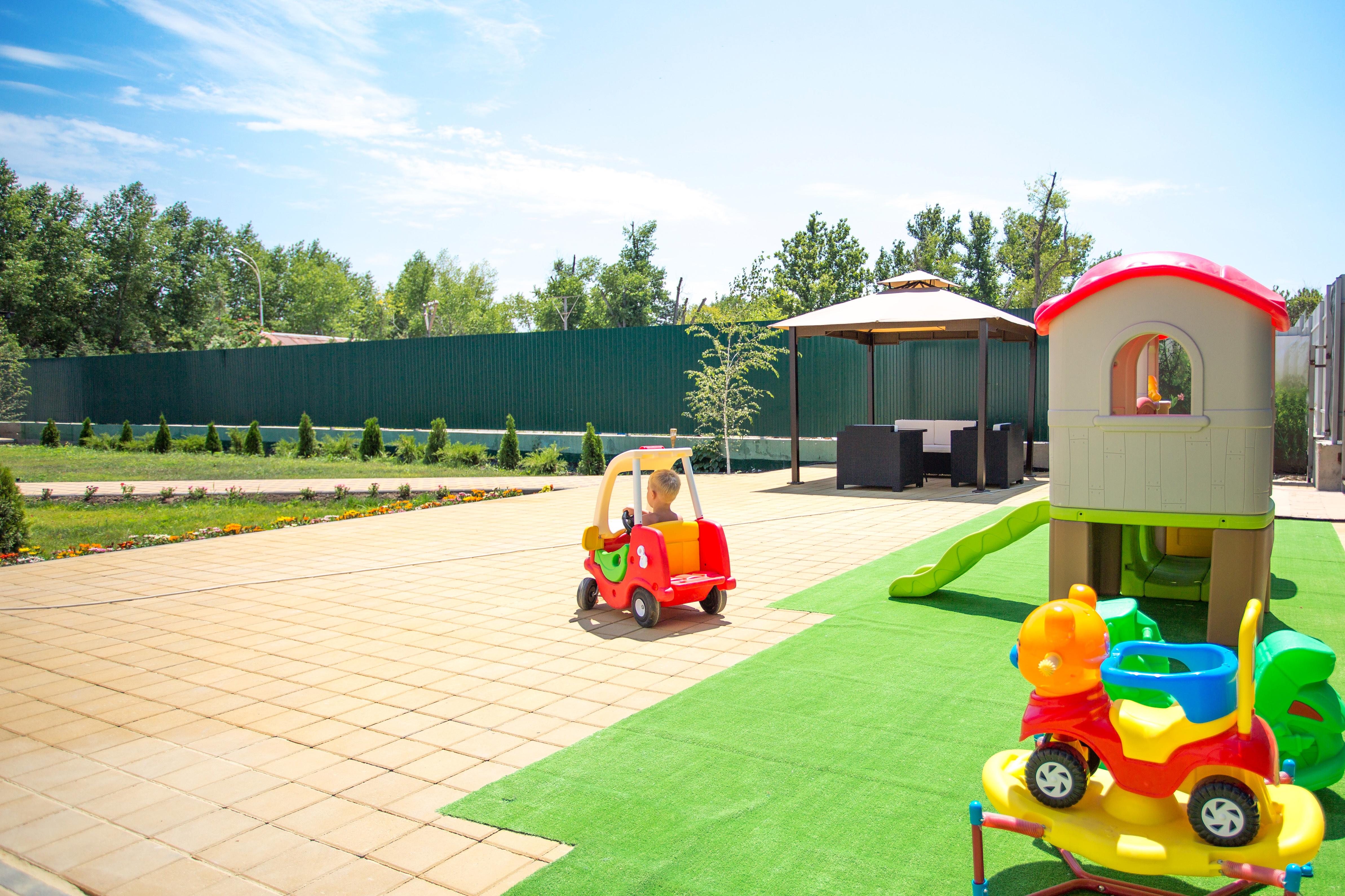 отель в анапе с детской площадкой